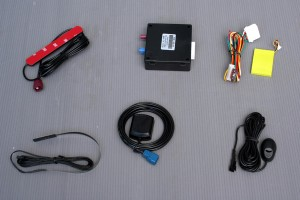 How does a GPS tracker work